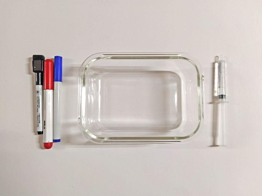 Materiales para el Experimento para Niños con Agua.